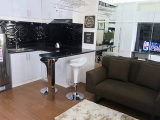Furnished Studio Unit for rent in Avida Towers San Lorenzo, Makati!