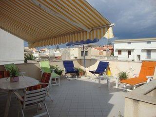 Camera vacanze kamarina piano terra con terrazza