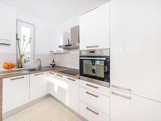 Apartment Haja Borik