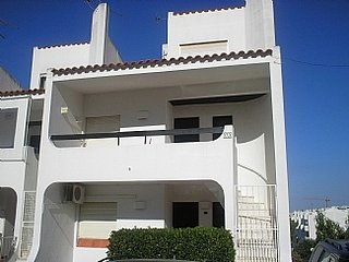 Lovely Duplex Apartment in Montechoro, near the lively bars of The Strip