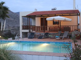 VACATION VILLA FELIA WITH PRIVATE POOL 200M TO THE BEACH STAVROS IN CHANIA CRETE