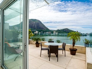Penthouse:2 Story, 800m2 w/ pool on Lagoa (inc 200m2 outdoor/terrace/pool space), Río de Janeiro