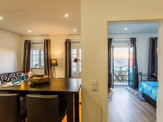 'Historic Boutique Flat' Modern apartment, Historic Center, Elegant (Sleeps 4)