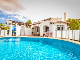 Monte Pego Luxury Detached Villa Monte Pego Sleeps 8 Wi-Fi Satellite and Pool
