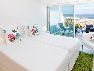 Beachfront Apartment with pool at Praia D'el Rey Golf & Beach Resort