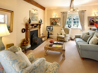 Luxury dog friendly cottage near Ross on Wye & Forest of Dean in great location, Weston under Penyard