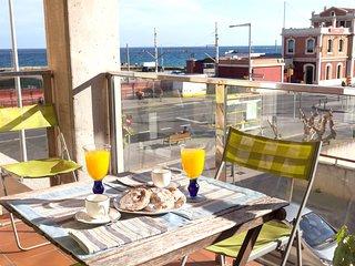 034NP Amplio apartamento con vistas al mar a 10 minutos del centro de Barcelona