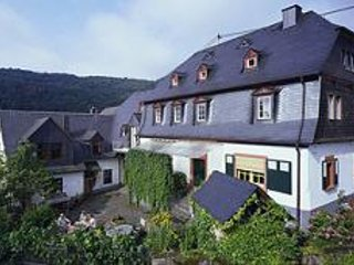 LLAG Luxury Vacation Apartment in Ediger - stylish, comfortable (# 2070), Ediger-Eller