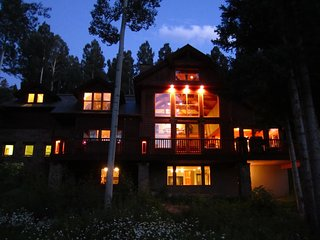 Spectacular 8 bedroom ski-in & ski-out luxury home, Mountain Village