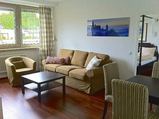 Vacation Apartment in Munich - 807 sqft, centrally located, nice furnishings, Múnich