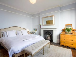 Sea Views at Renovated Four Storey Victorian Family Home 350m from beach!, Broadstairs