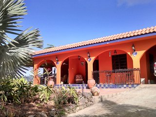 Casa Buena Vista 270° magnificent mountain views NO AIR CONDITIONING NEEDED