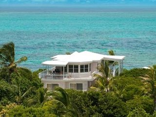 Grace Bay Beach House -- Great Location on a Beautiful Beach, Providenciales