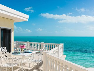 Hampton House, a 3BR beachfront villa on Long Bay Beach, Providenciales