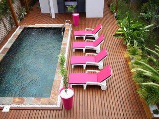Villa en centre ville avec piscine privée à 400 de la plage