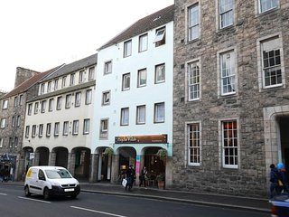 1 bed in the heart of Edinburgh's Old Town