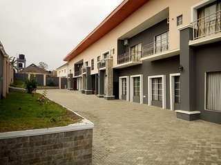 Luxury 4 bedrooms duplex for shortlet in Alalubosa GRA Ibadan