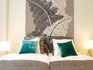 HOME apartment - PEOPLE RENTALS, San Sebastian - Donostia