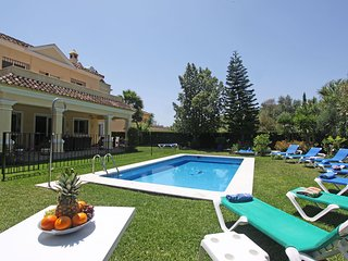 1106 Family Villa heated pool high speed wifi- Netflix