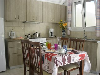 Stalis nice 4-bedroom Apartment only 5 min. to the beach !