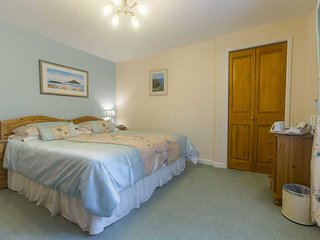 300 year old Coach Bed and Breakfast - Double or Twin – Penally Room