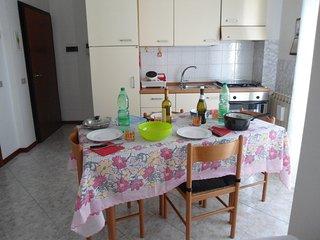 Mini Appartamento per 2 persone con garage comodo stazione treni, pulman, piazza, Rovigo
