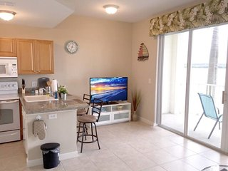 Cozy Waterfront Condo At Boca Ciega Resort, St. Petersburg