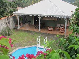 Villa tout confort au François (Cap Est) à 2 minutes de la plage !