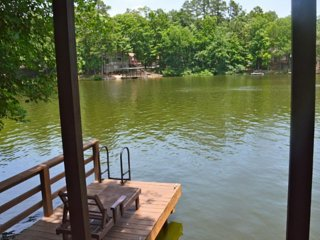Beautiful Lake Desoto 10 Town Home with Spectacular Views & Water Access! 2 Bdr