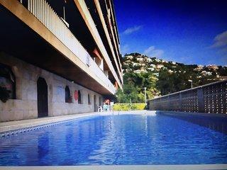 Bonito apartamento,piscina y parking, Lloret de Mar