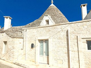 Trulli Fenice Alberobello. A pochi Km da spiagge e Zoo Safari