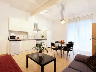 Poble Sec - 3 bedroom modern apartment, Barcelona