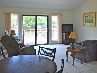 Beautiful Lake Desoto 12 Town Home with Spectacular Views & Water Access!, Hot Springs Village