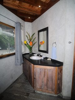 Casa Anak Ensuite bathroom with hot water shower