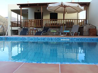 VACATION VILLA FELIA1 WITH POOL 200M FROM THE SANDY BEACH STAVROS CHANIA CRETE