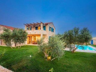 Ile de Krk, Linardici, belle villa de luxe avec piscine privee