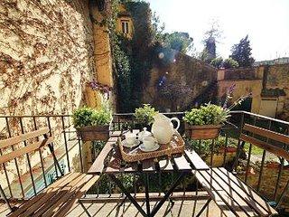 Giorgio - Elegant 1 bdr apartment in the Oltrarno area