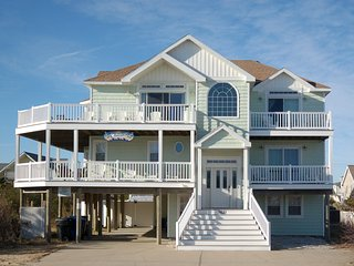 7+ Bedroom Semi Ocean Front Home - Pool/Hot Tub, Virginia Beach