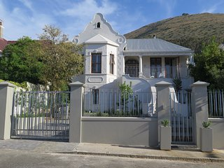 Cheviot Green Point Villa & Pool