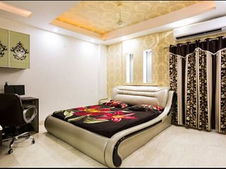 12 Bedroom Luxury Apartment in Delhi for Big Group, Wedding Guests, Corporates