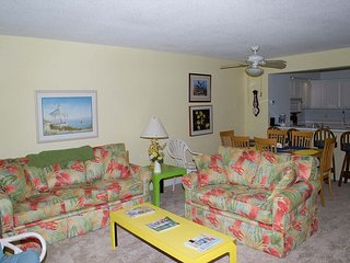 "Multi-level Oceanside Condo with plenty of room to ""spread out""!, Atlantic Beach"