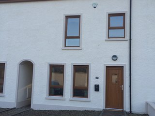 3+ bed Townhouse excellent location, Portstewart