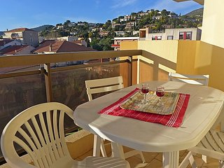 Apartment in Le Lavandou with Air conditioning, Lift, Balcony (103613)
