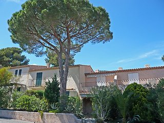 Villa 92 m from the center of Cavalaire-sur-Mer with Parking, Terrace (114967)