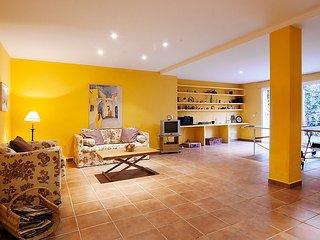 "Villa a short walk away (134 m) from the ""Playa Real Zaragoza"" in Marbella with"