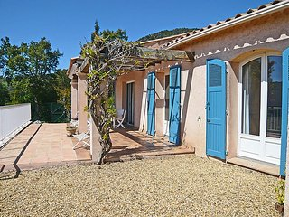 Villa in Cavalaire-sur-Mer with Terrace, Air conditioning, Parking, Washing machine (115063)