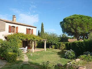 Villa 74 m from the center of Cavalaire-sur-Mer with Parking, Terrace, Garden