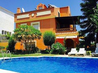 "Villa a short walk away (484 m) from the ""Playa Linda Vista"" in Marbella with"