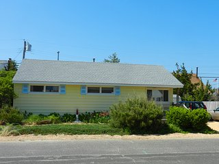3BR 1b BEACH BLOCK - Normandy Shores, NJ - $2150 p/w