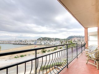 Apartment in the center of Cavalaire-sur-Mer with Lift, Parking, Terrace